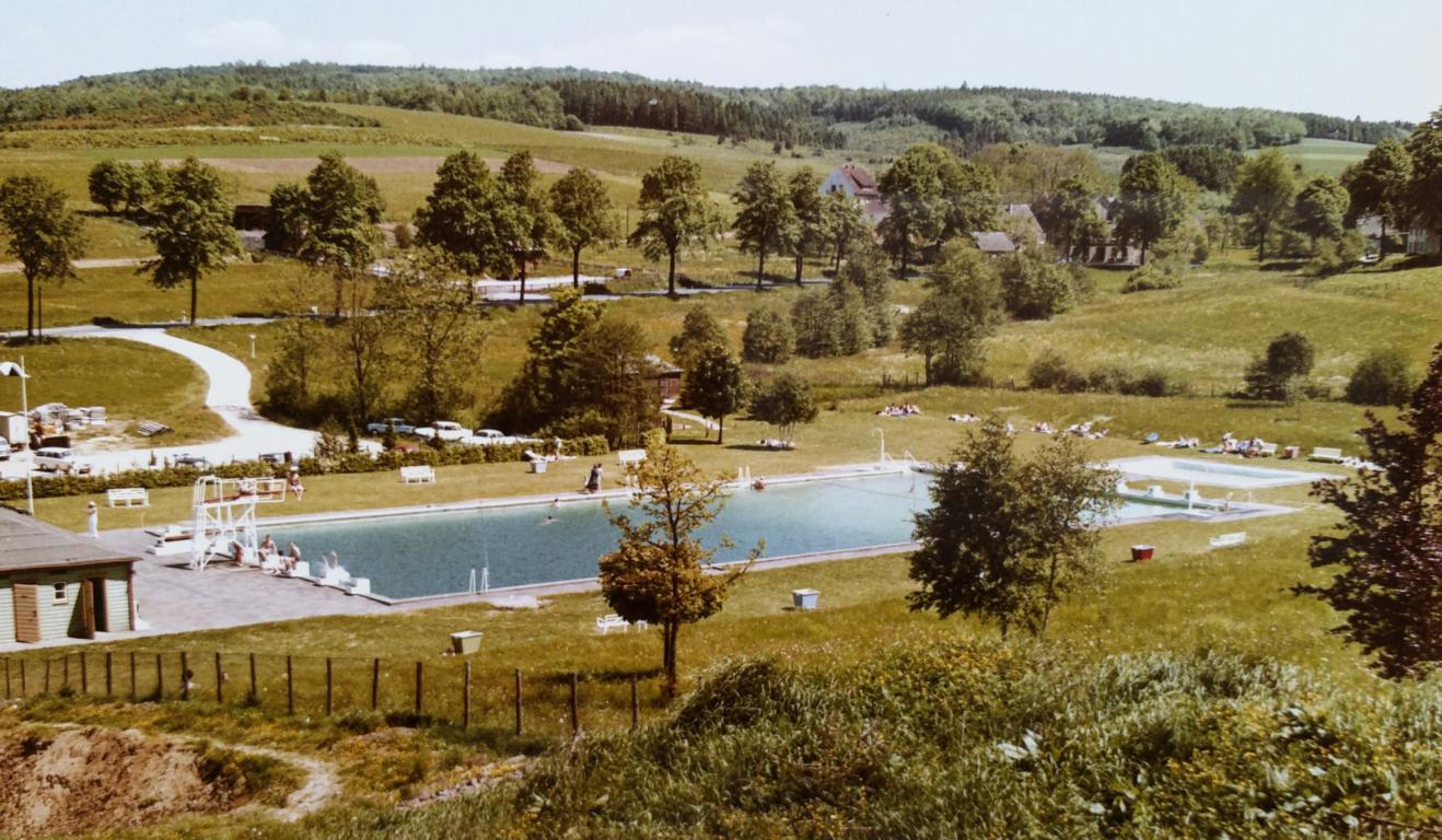 Freibad, Oststraße, Meinerzhagen, Foto aus den 1960er Jahren.
