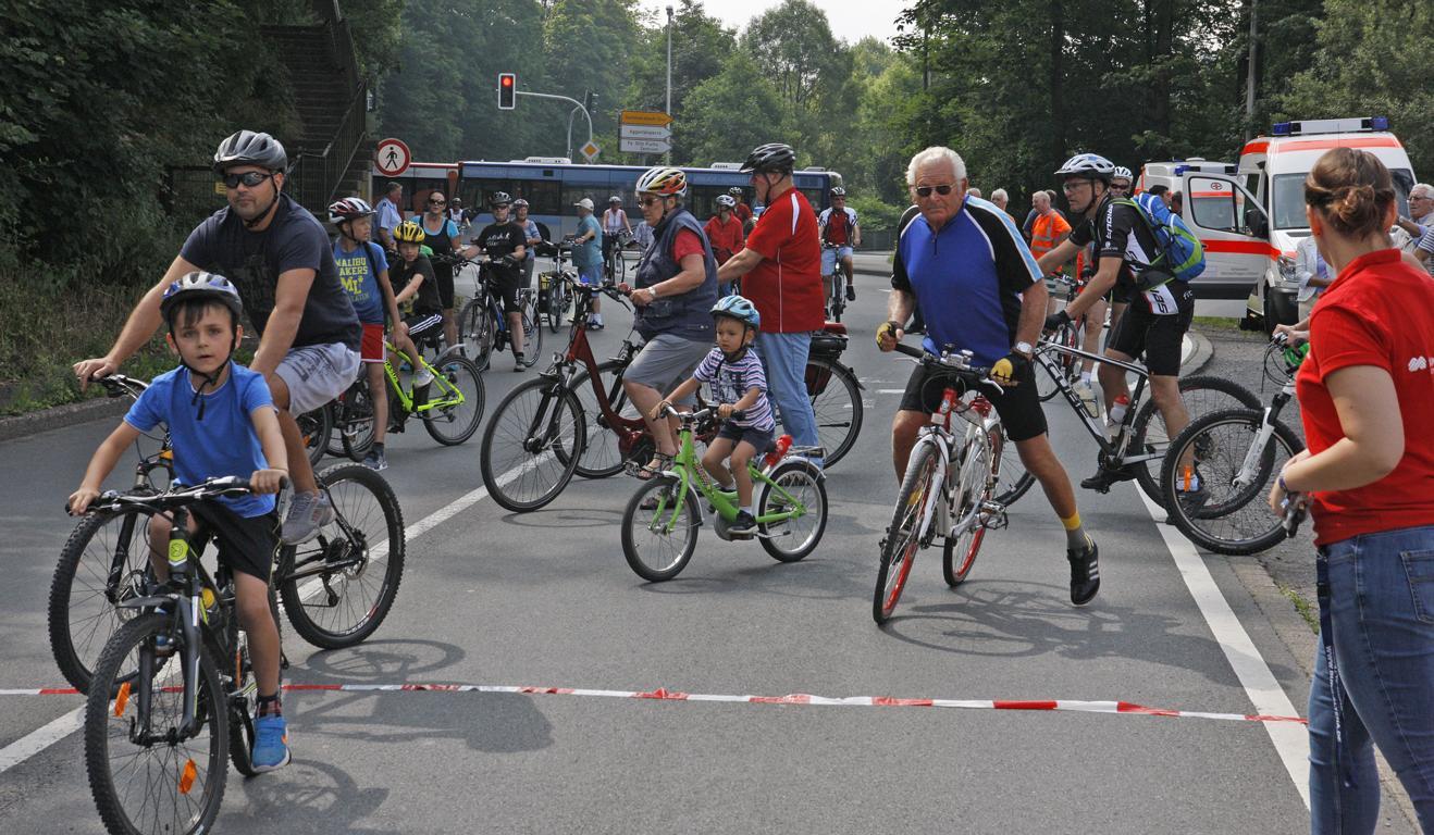 Groß und Klein am Start beim Autofreien Volmetal © Foto: Hendrik Klein/Märkischer Kreis